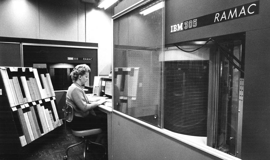 مقاله ای درباره تاریخچه ذخیره سازی اطلاعات توسط کلینیک هارد دیسک
